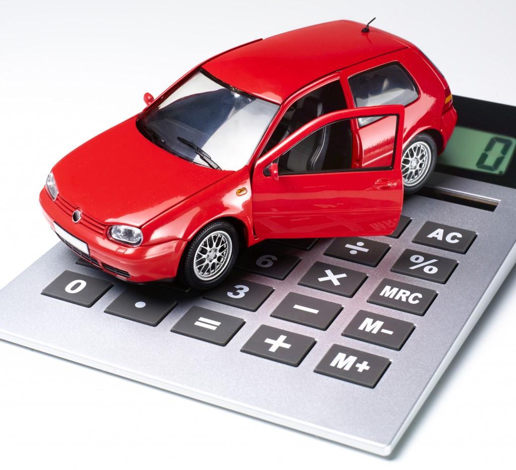 mua ô tô phải đóng những thuế gì