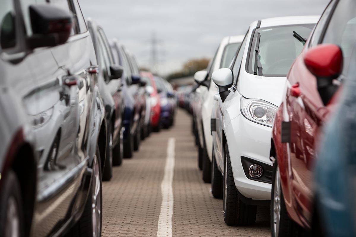 Hỏi – Đáp mua ô tô phải đóng những thuế gì?