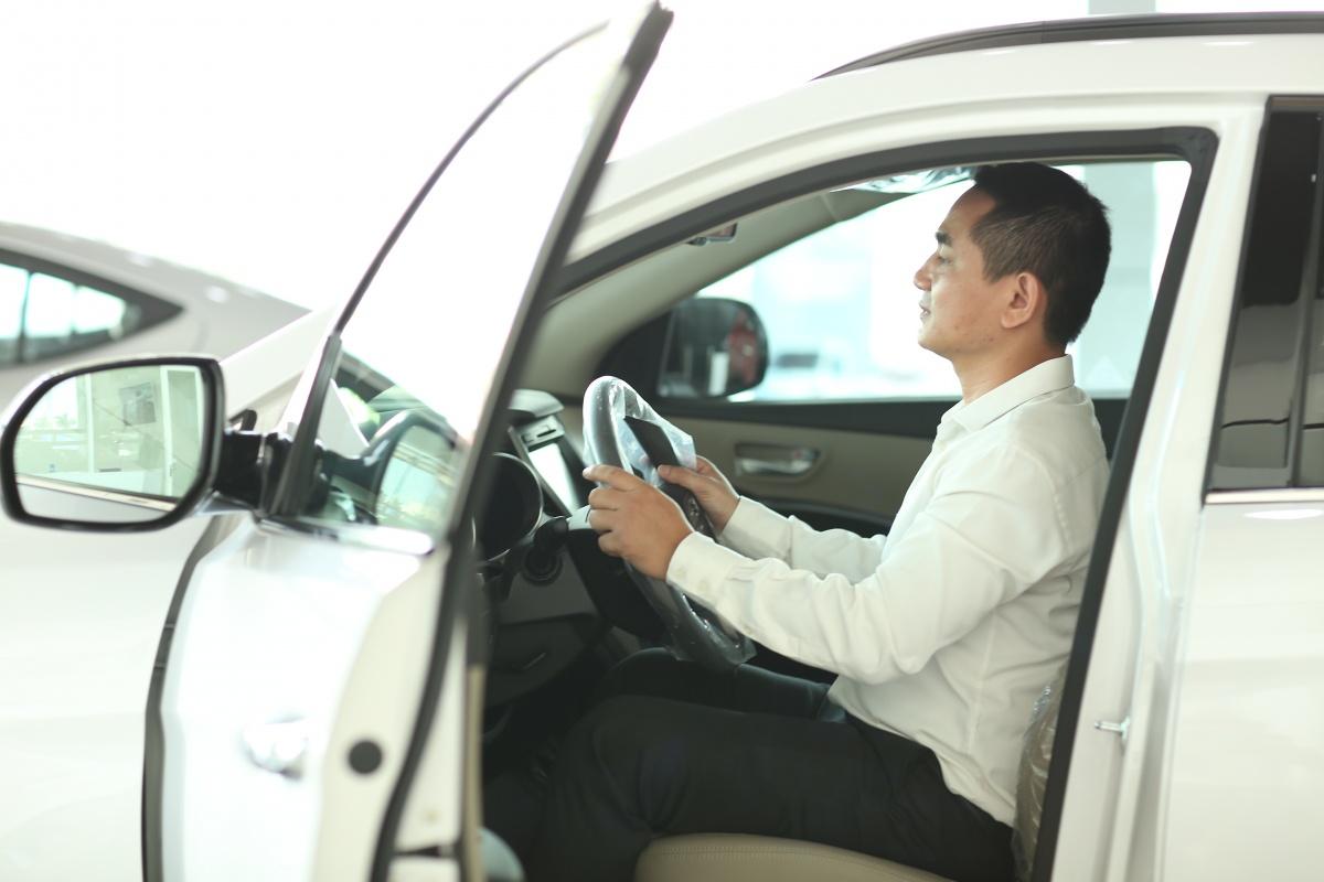 Lệ phí trước bạ xe ô tô hiện nay là bao nhiêu?