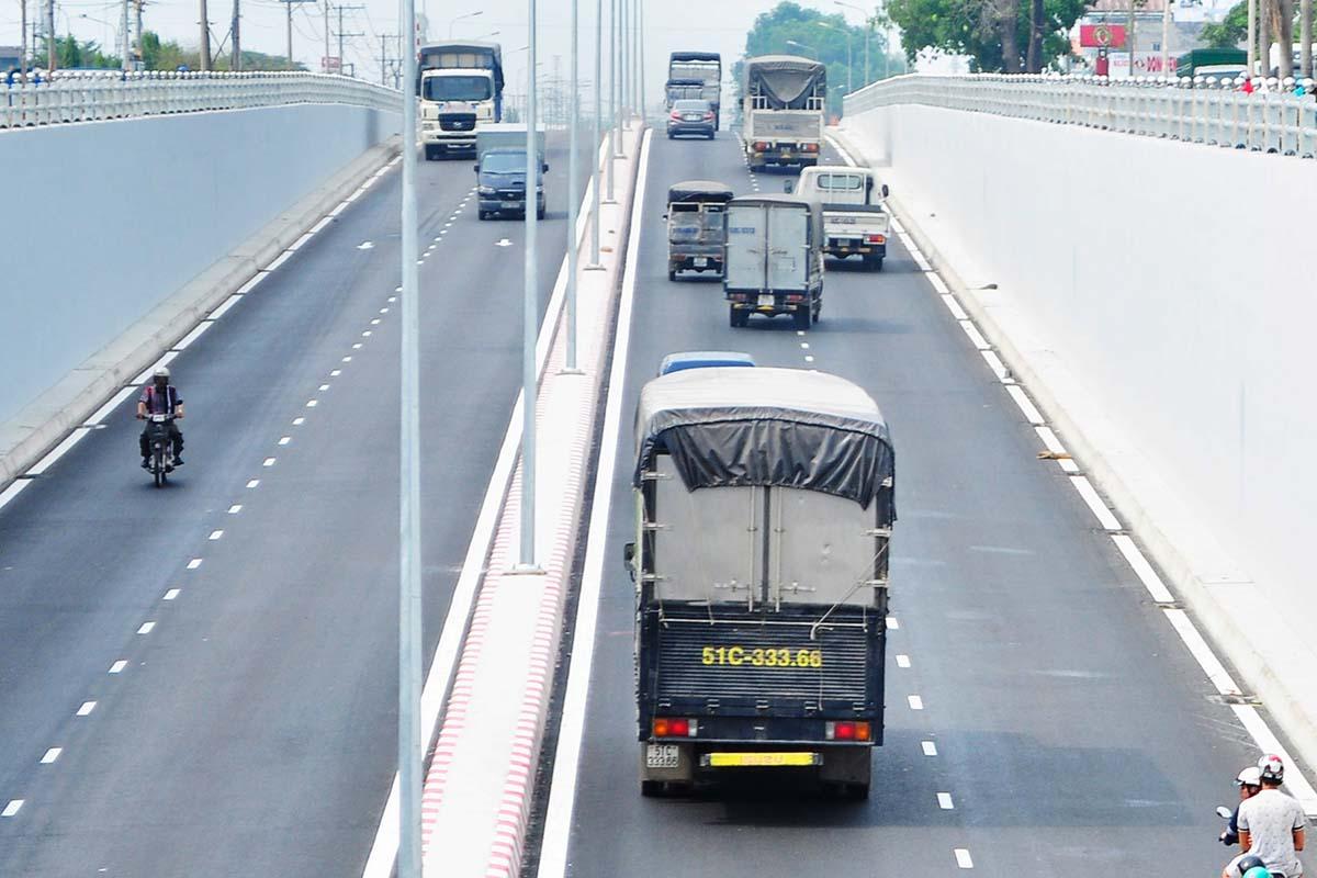 phí bảo trì đường bộ ô tô 4 chỗ